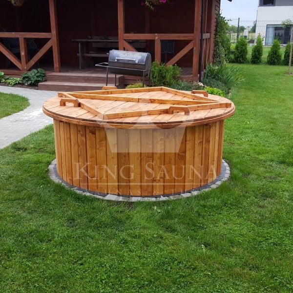 """""""INSERTABLE"""" hot-tub into the terrace."""