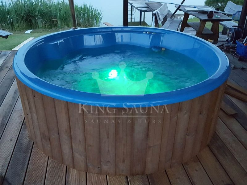 Quot Insertable Quot Hot Tub Into The Terrace Saunas Hot Tubs